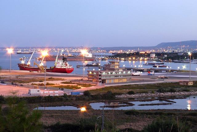 banchine porto commerciale