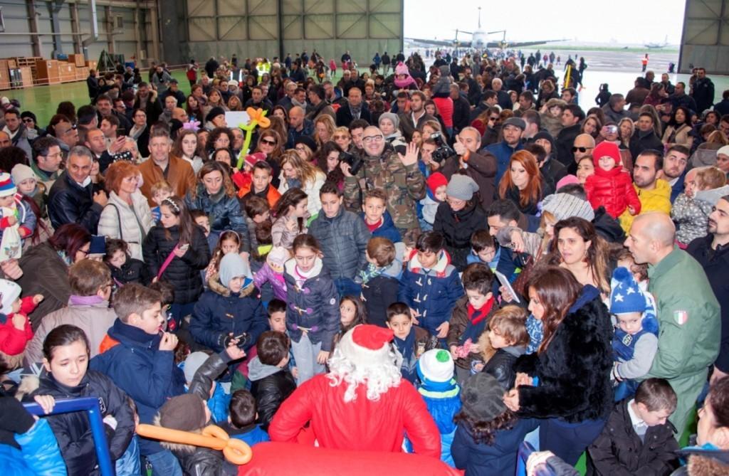 Entusiasmo intorno a Babbo Natale (3)