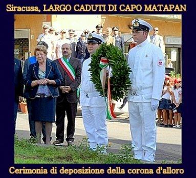 Siracusa-deposizione-corona-alloro-per-i-caduti-di-Capo-Matapan-www.lavocedelmarinaio.com_
