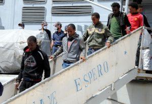 Sbarchi, arrivata a Reggio Calabria nave con oltre 600 migranti