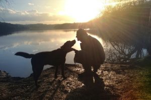 7783991323_le-chien-est-il-le-meilleur-ami-de-l-homme